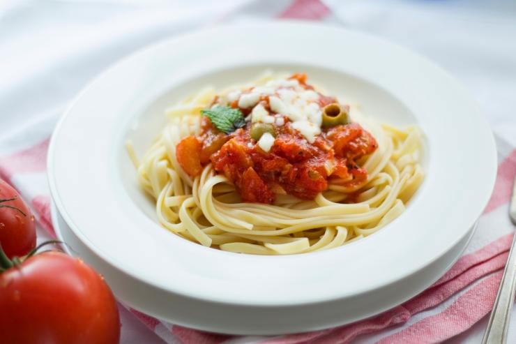 food-pasta-tomato-theme-workspaces.jpg