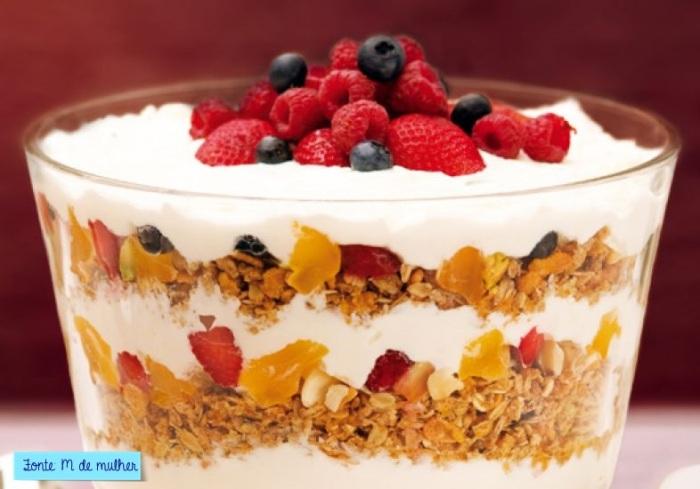 fruta e iogurte